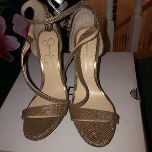 Jessica Jimpson medium heel
